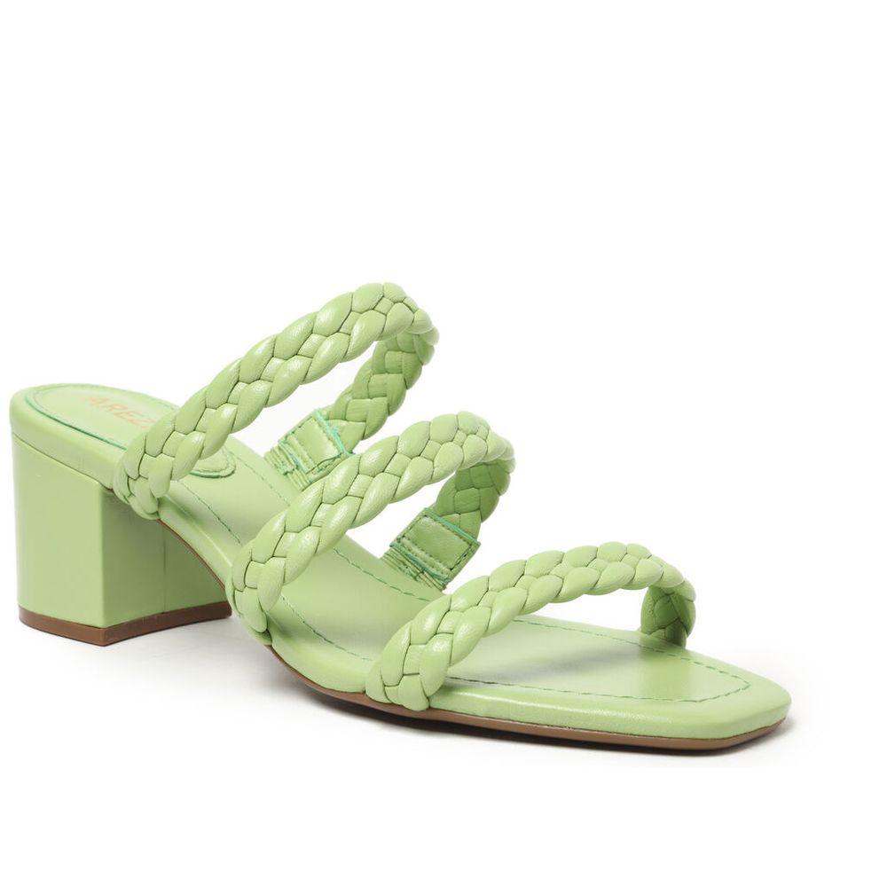 sandalia-verde-salto-bloco-tiras-trancadas-arezzo-1