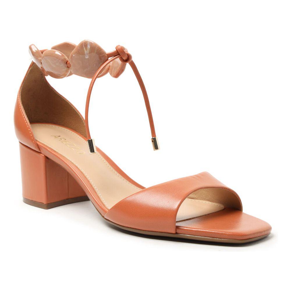 sandalia-marrom-couro-salto-bloco-resina-1