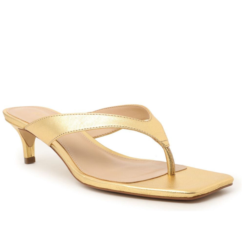 sandalia-dourada-couro-salto-fino-new-golden-arezzo-1