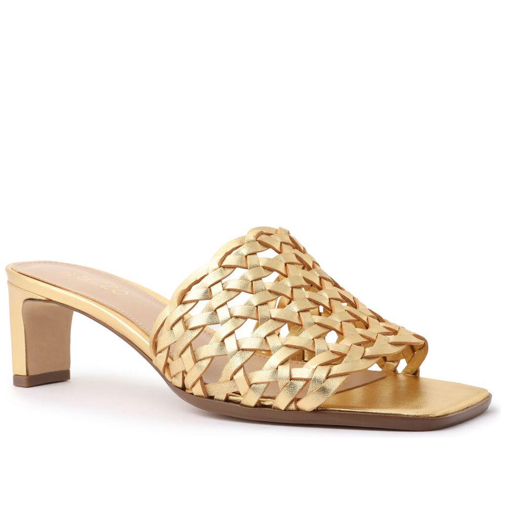 sandalia-dourada-couro-salto-baixo-tramada-1
